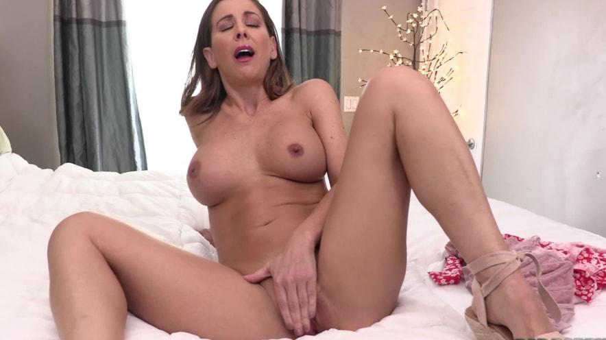 Cherie Deville: Begs For Your Cum